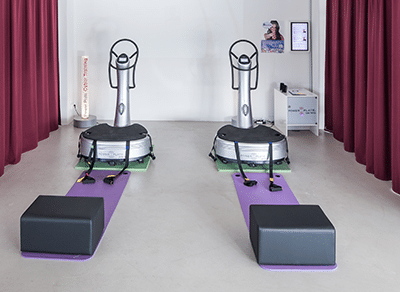 Power-Plates-im-Fitness-Loft-Woman-400x292px