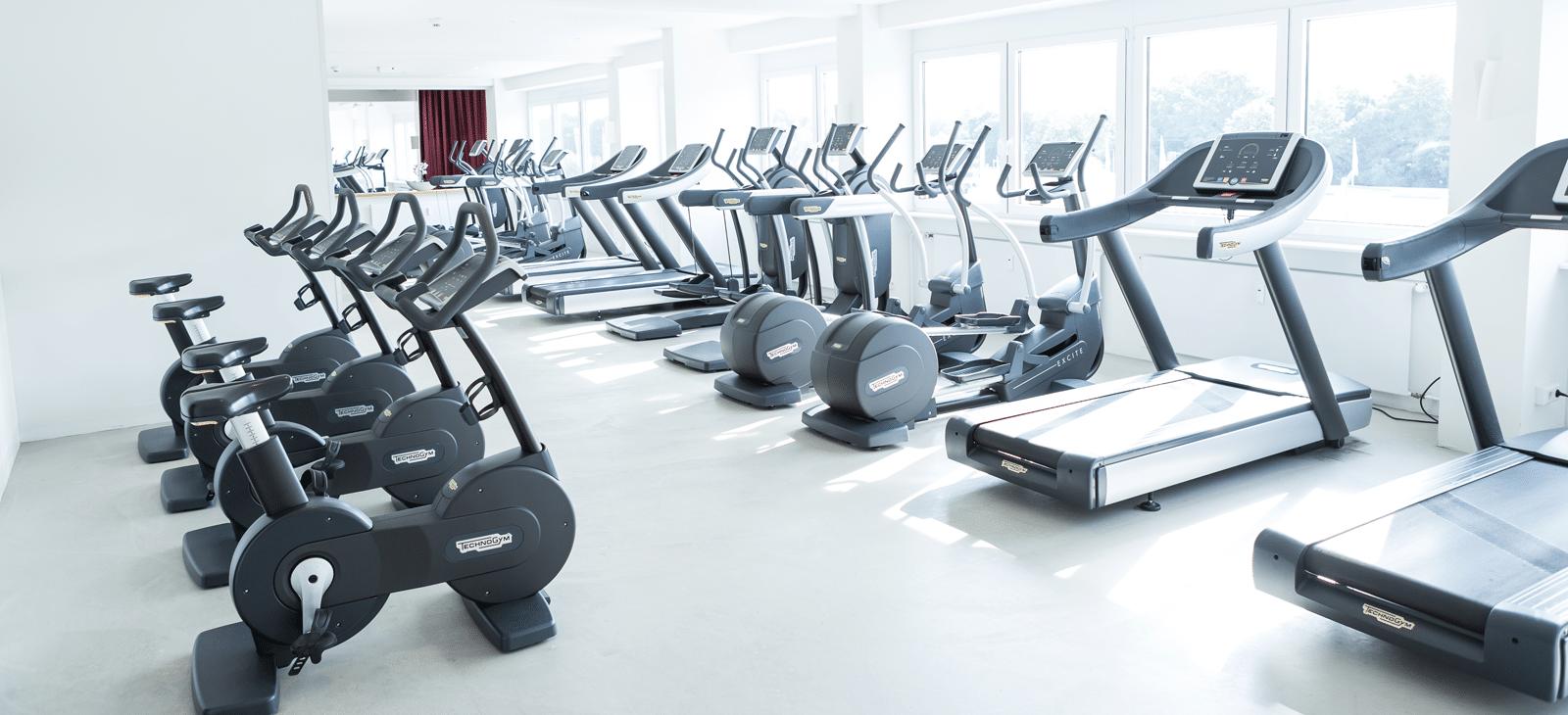 Cardio Geräte mit Ausblick im Fitness-Loft Woman Freiburg
