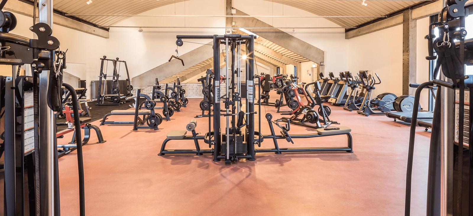 Trainingsturm-im-Fitnessstudio-Loft-Gundelfingen-1600x731px