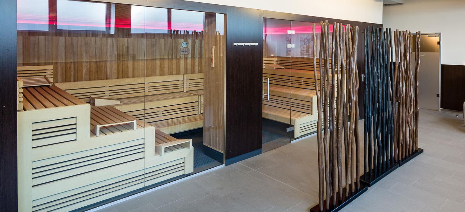 Finnische-Sauna-im-Fitness-Loft-Freiburg-Haid-1600x730px