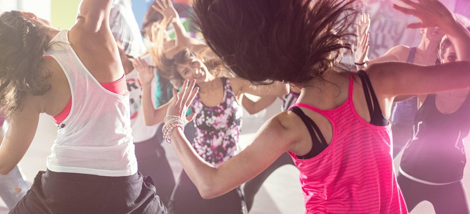 Frauen tanzen Zumba