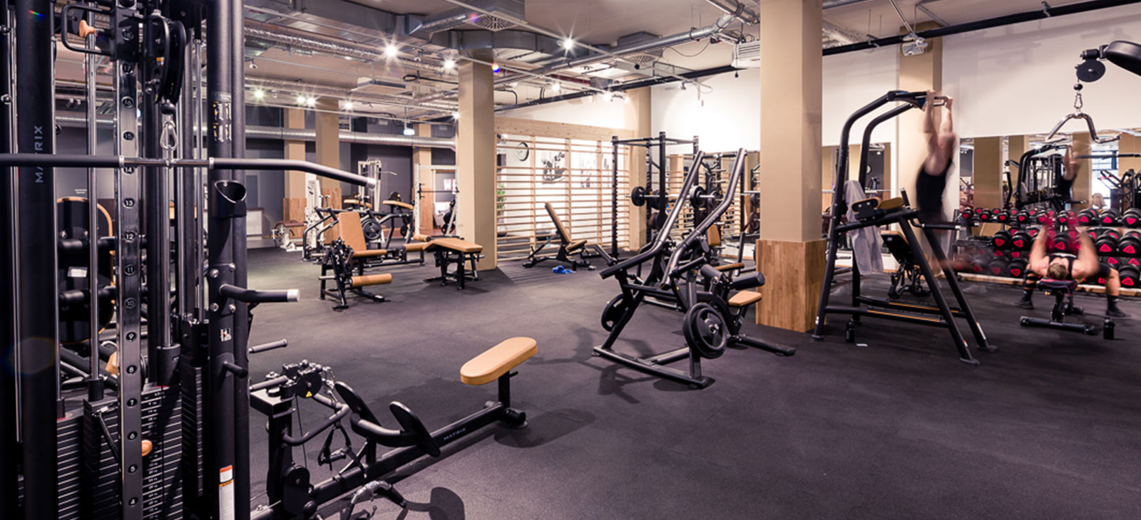 Freies-Training-im-Fitness-Loft-West