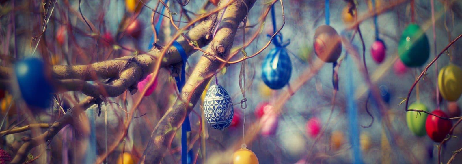 Ostereier im Baum