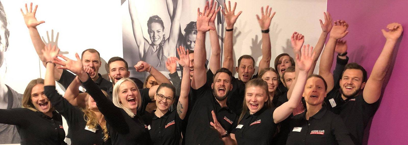 Fitnesstrainer jubeln in Emmendingen