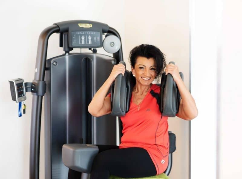 Mitglied an der Rotationsmaschine im Fitness-Loft Woman Freiburg