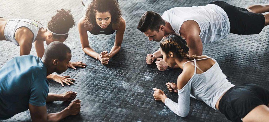 Planks in deinem Fitness kursplan