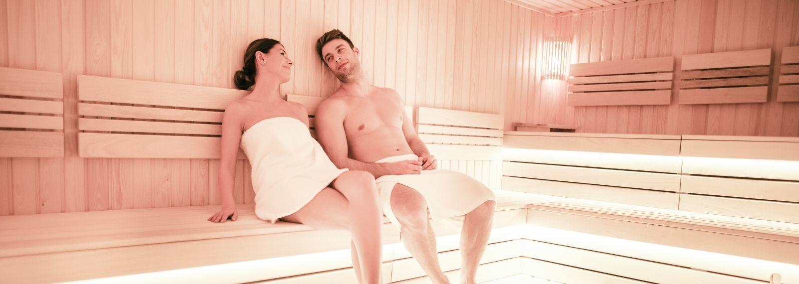 Gemeinsam die Sauna im Fitness-Loft be part of the family besuchen